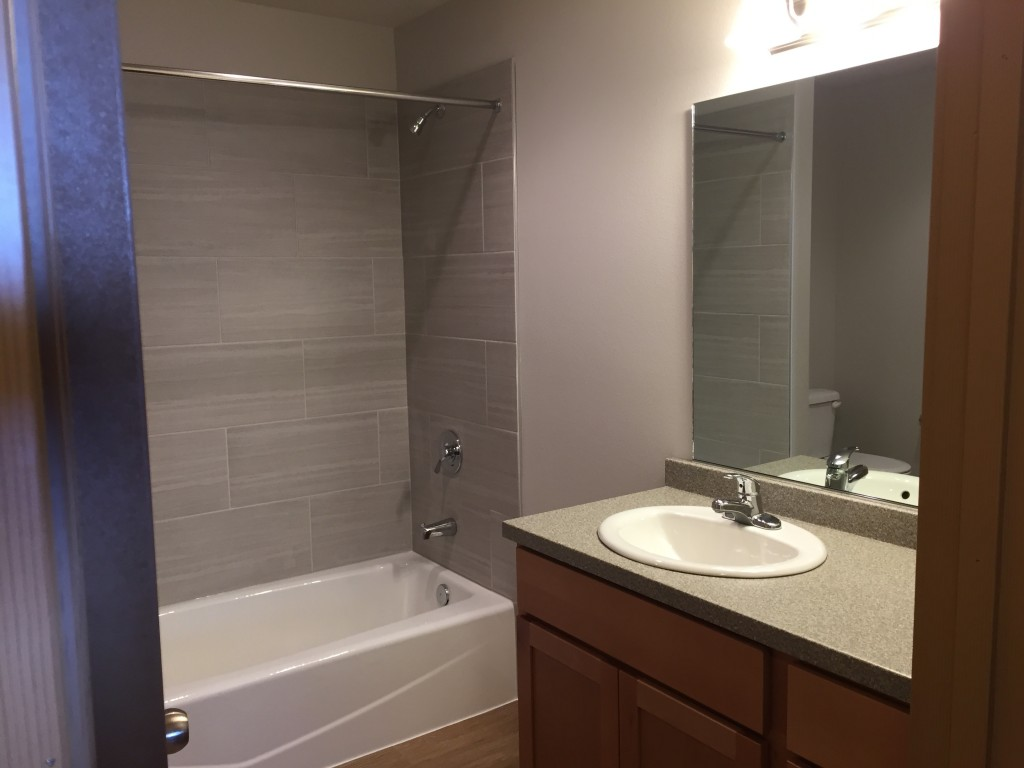 E- 2 bedroom bath